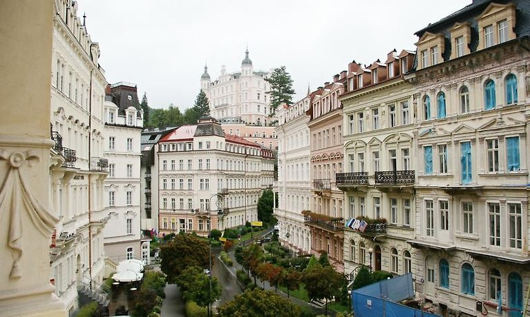 karlovy vary lesbian personals Only few museums can be found in such appropriate buildings as the building of the royal mint in jáchymov is this renaissance building dating from 1536 can be called its exhibit no 1.